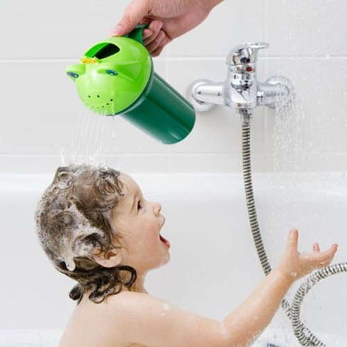 Cartoon Frog Shape Baby kid Shampoo Cup Children Bathing Baby Shower Spoon Child Wash Cup Green