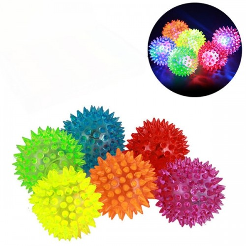 1 Pcs Rubber Pet Dog Puppy Chewing Squeaker Toy Flash Bouncy Ball Massage Ball - Random Color